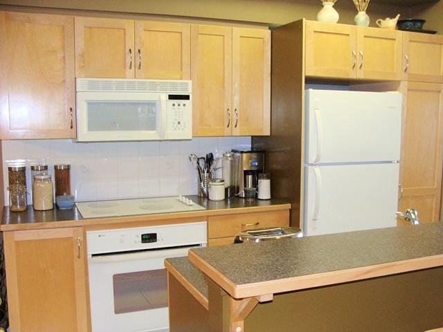 kitchen master edmonton kitchen master edmonton 28. Black Bedroom Furniture Sets. Home Design Ideas